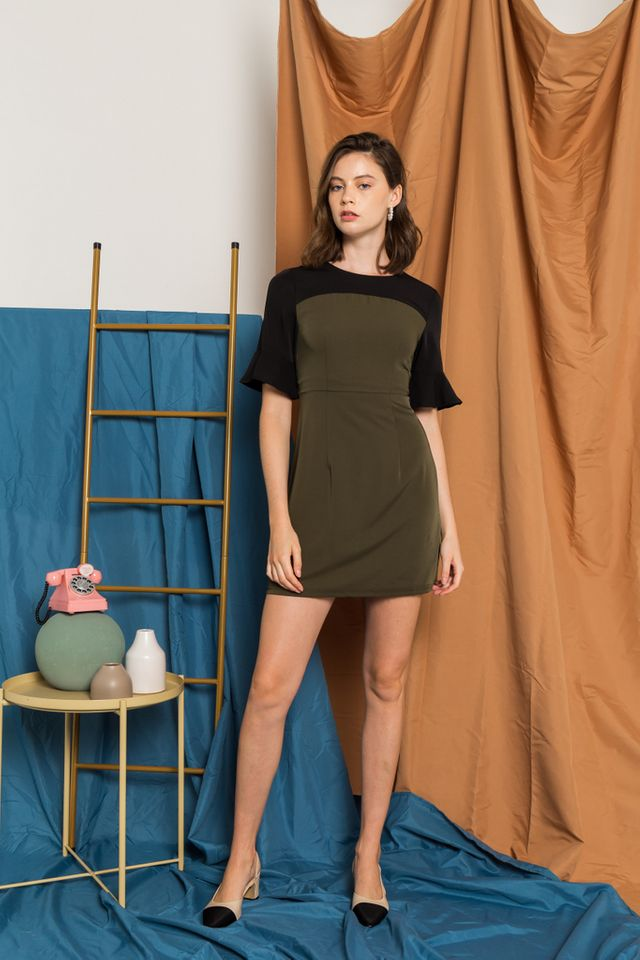 Ferica Colourblock Flute Sleeve Dress in Olive