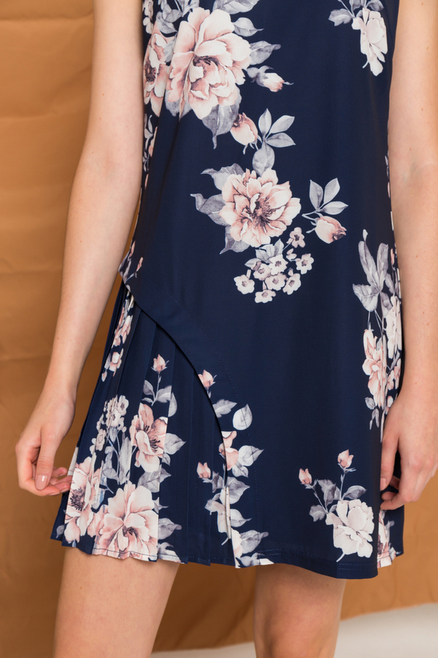 Yara Floral Side Pleated Dress in Navy (XS)