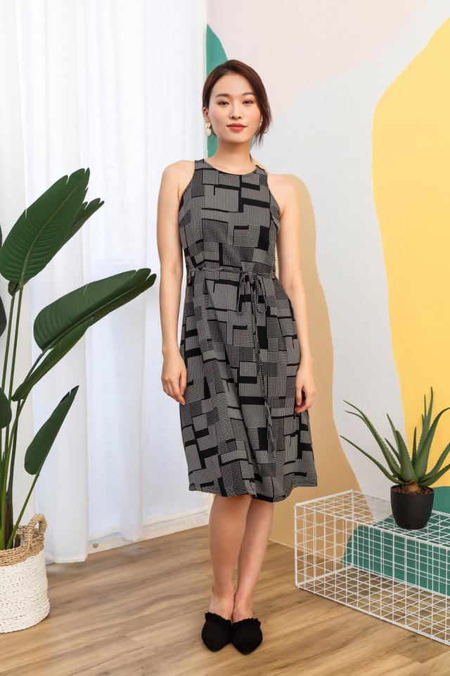 Lachelle Geometric Midi Dress in Black