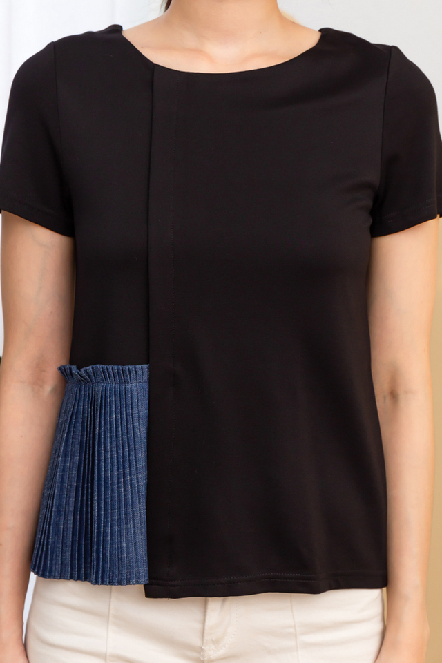 Reeve Side Pleated Top in Black