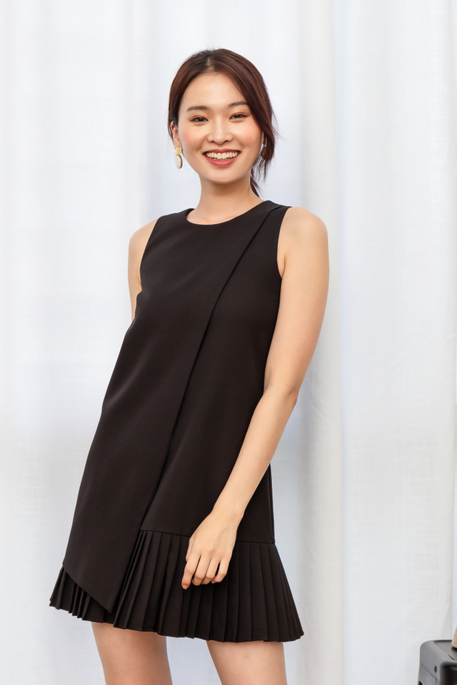 Sansa Pleated Hem Dress in Black
