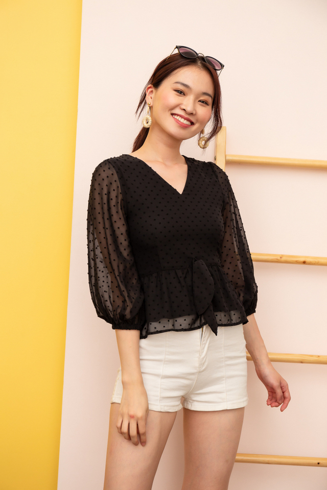 Sonnet Textured Peasant Top in Black (XS)