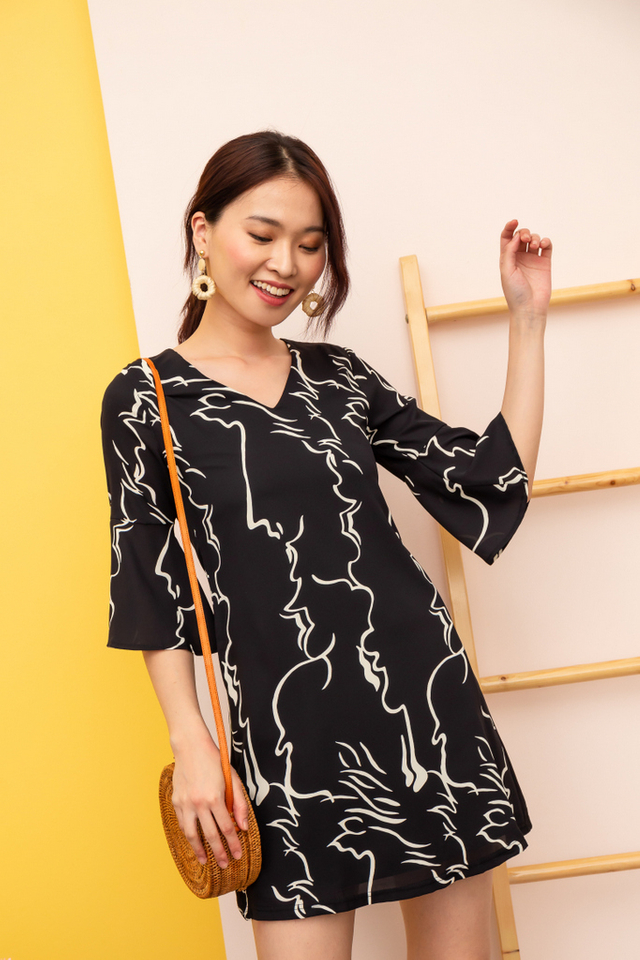 Rebekah Abstract Shift Dress in Black