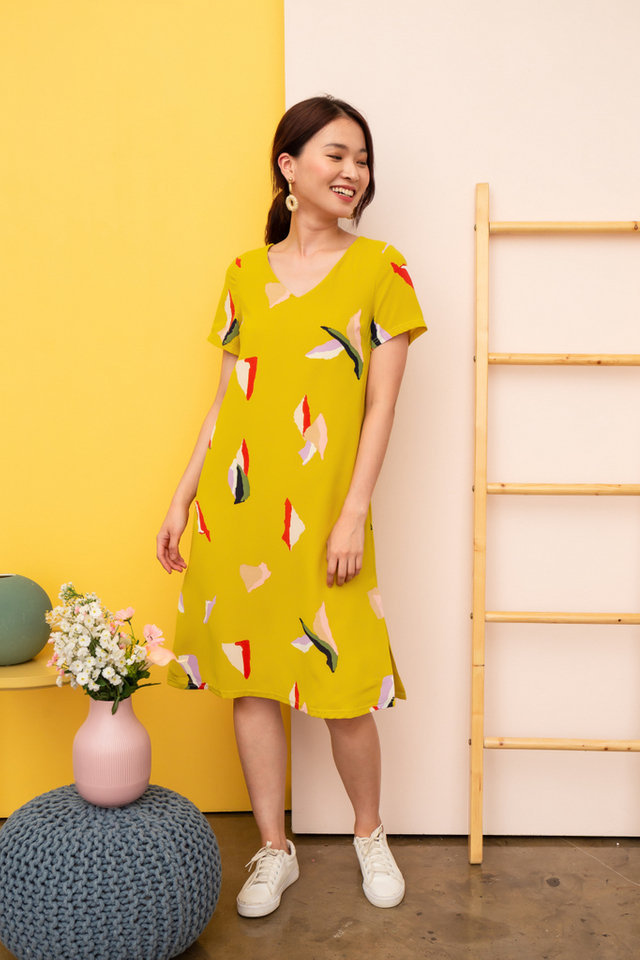 Wylda Abstract Midi Dress in Dusty Mustard