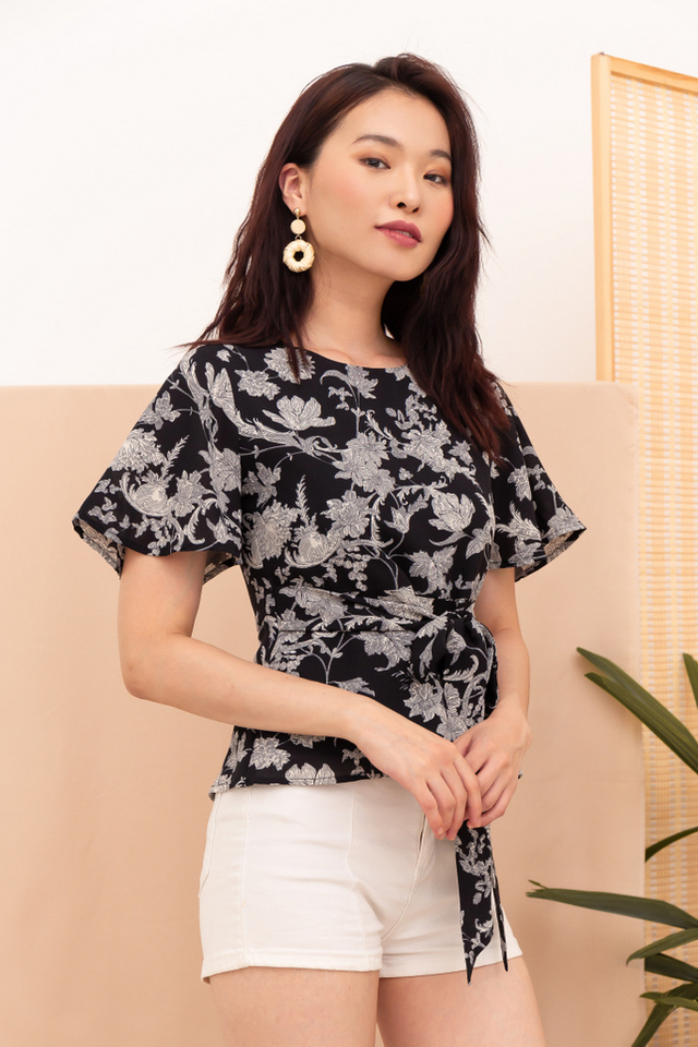 Lavia Floral Ribbon Top in Black