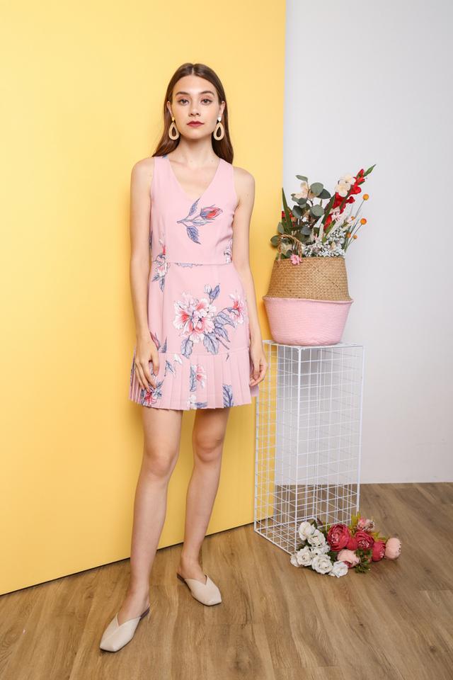 Yoori Pleated Hem Dress in Pink