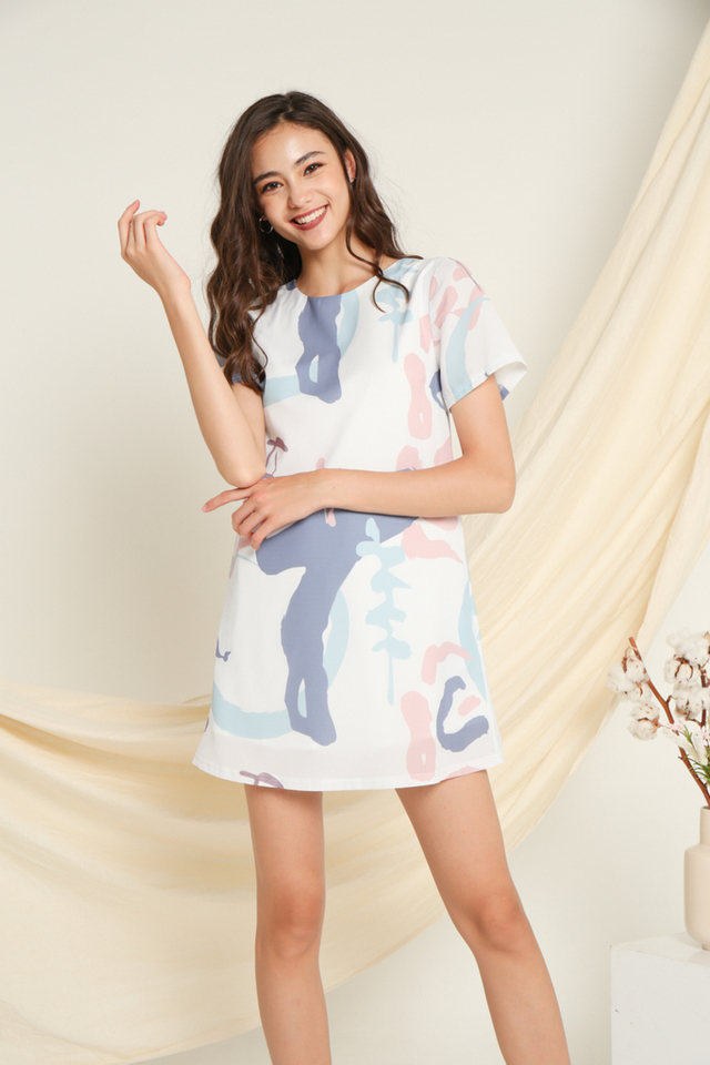 Eloise Printed Shift Dress in Pink (XS)