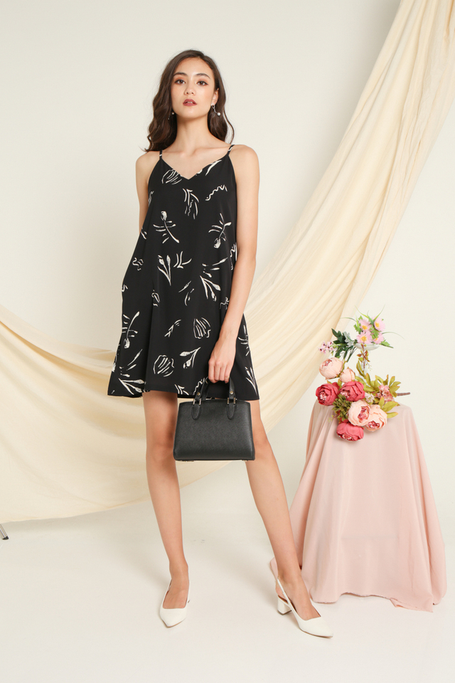 Sherie Printed Sleeveless Dress in Black