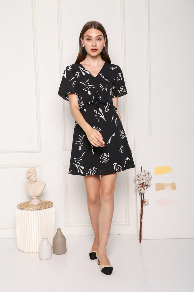 Janeen Printed Ruffles Dress in Black (XS)