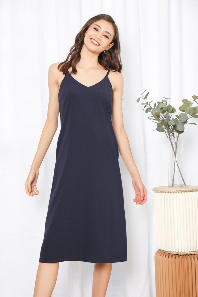 Zofia V-Neck Midi Dress in Navy (L)