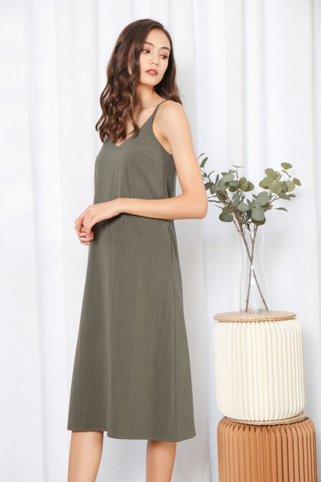 Zofia V-Neck Midi Dress in Green
