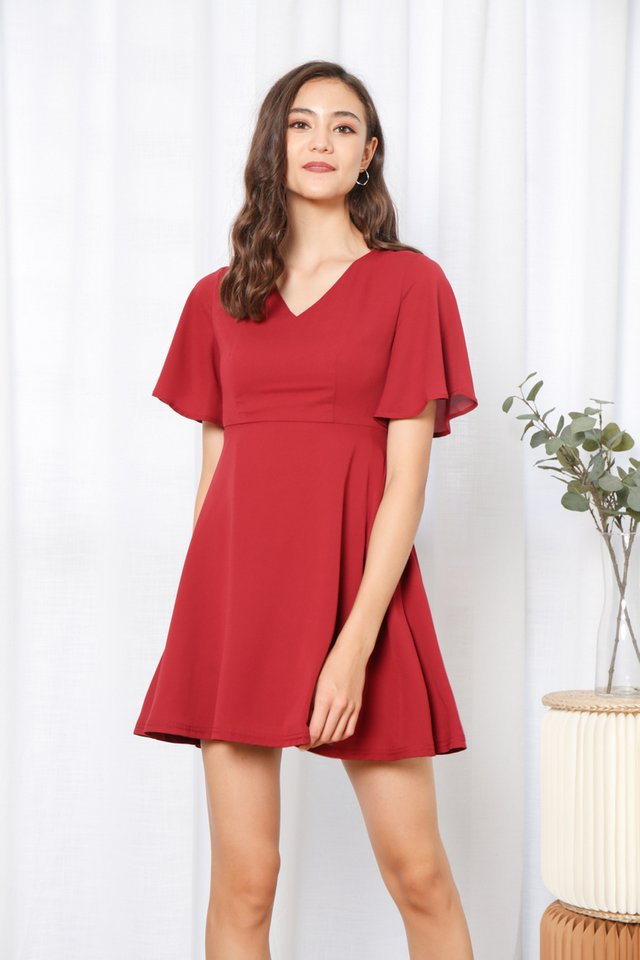 Hassie Ruffles Sleeved Dress in Wine