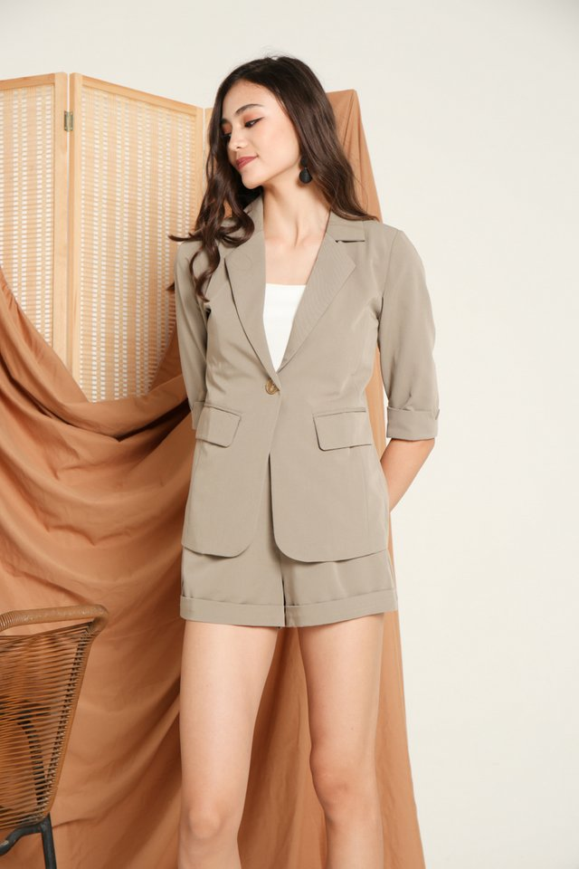 Renetta Button Blazer in Olive