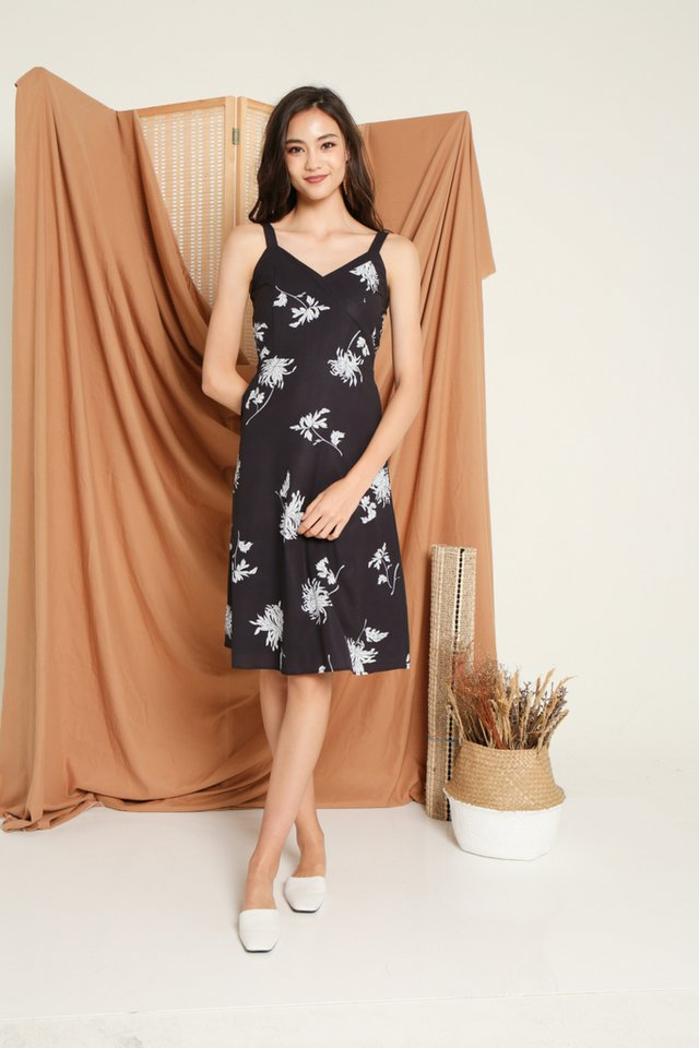 Sharika Floral Midi Dress in Black