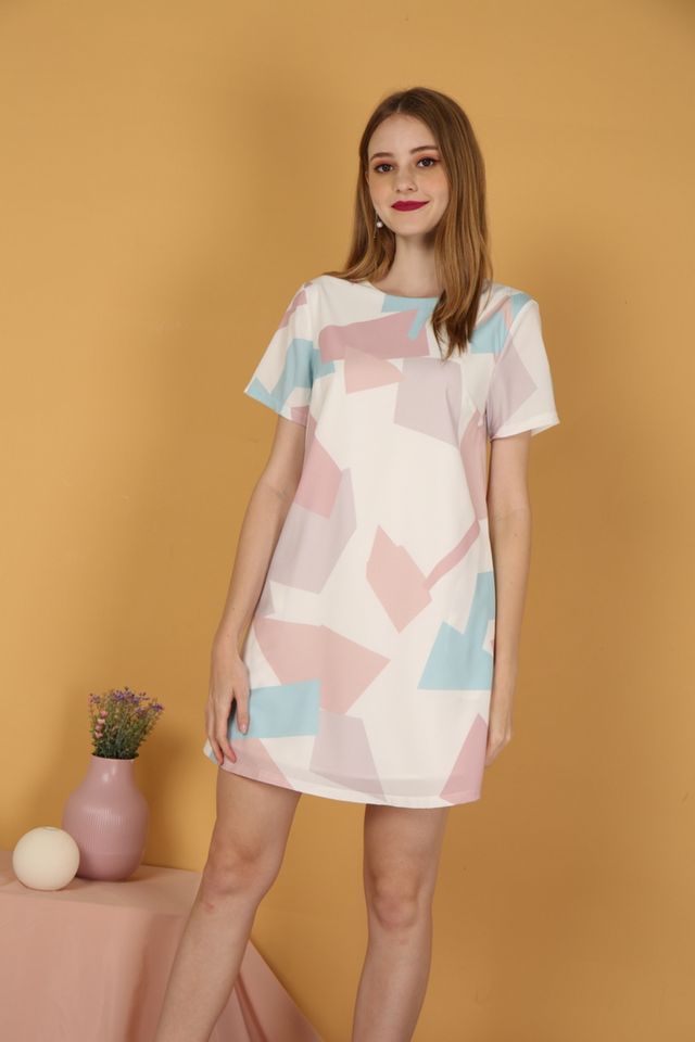 Marvelle Geometric Shift Dress in Pink
