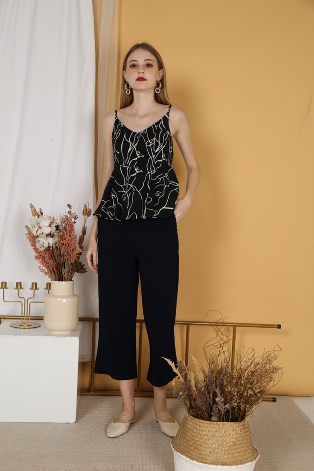 Pippa Cropped Leg Pants in Navy