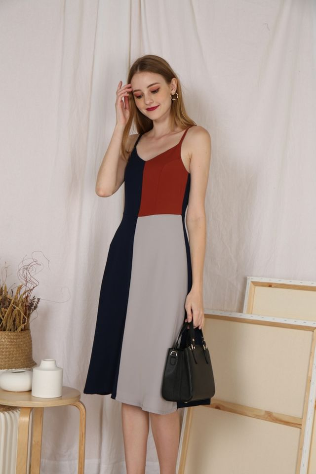 Arely Colourblock Midi Dress in Navy