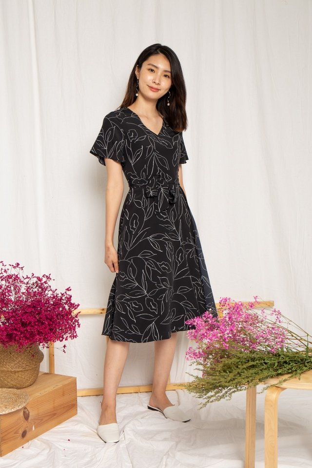 Alison Leafy Overlay Midi Dress in Black (XS)