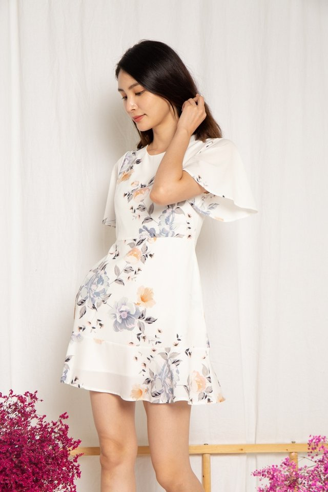 Cassidy Floral Ruffles Hem Dress in White (XS)
