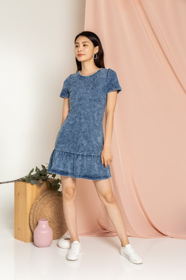 Erin Denim Dropwaist Dress in Mid Wash (XS)