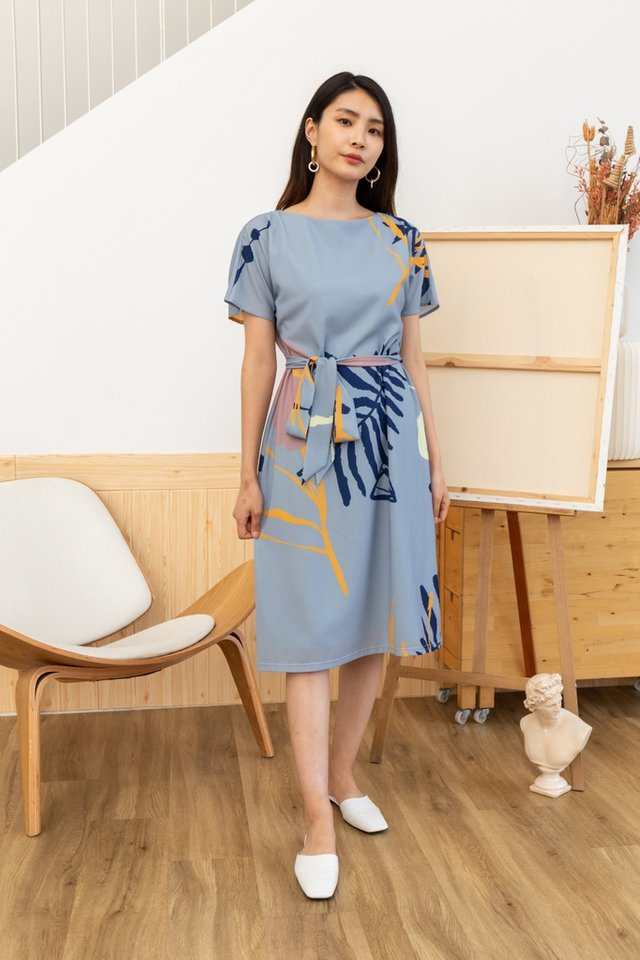 Therese Abstract Sash Midi Dress in Dusty Blue