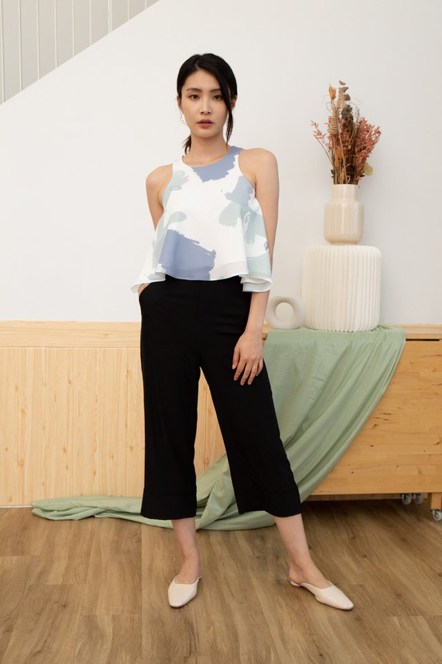 Emersyn Abstract Cut-In Top in Sage (L)