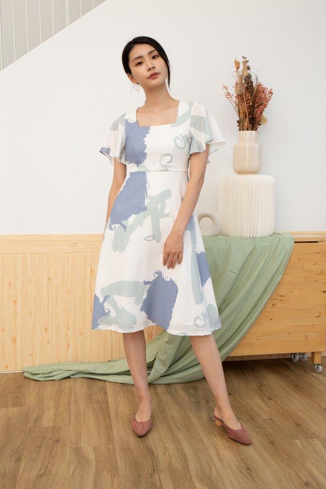 Serena Abstract Square Neck Midi Dress in Sage