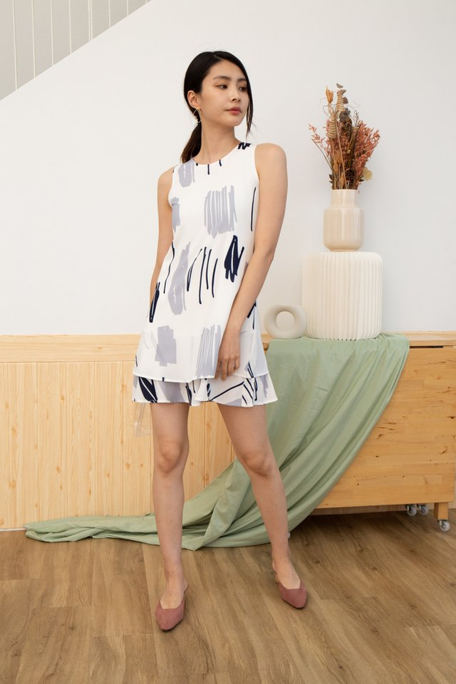 Fianna Abstract Tiered Hem Dress in Blue