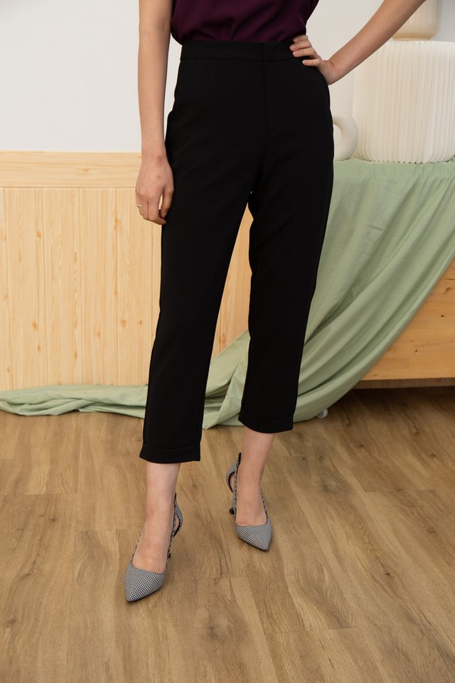Nyasia Cuffed Hem Pants in Black