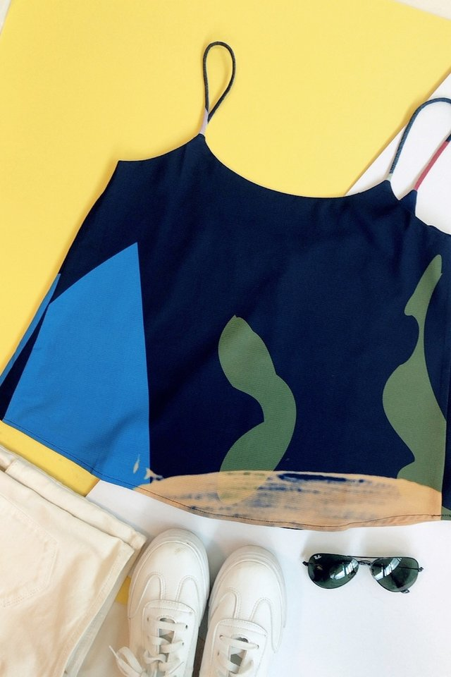 Rosalie Abstract Sleeveless Top in Navy