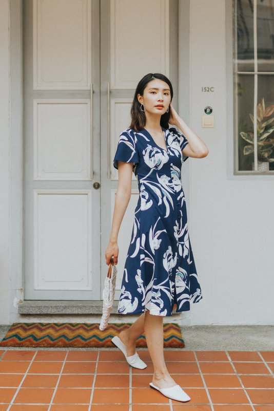 Sierra Floral Button Midi Dress in Navy