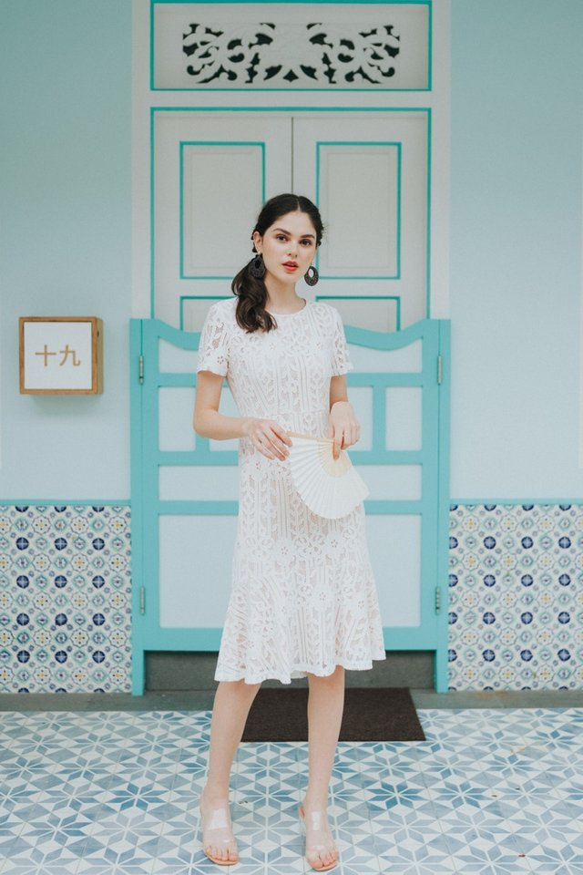 Giselle Premium Lace Mermaid Midi Dress in White