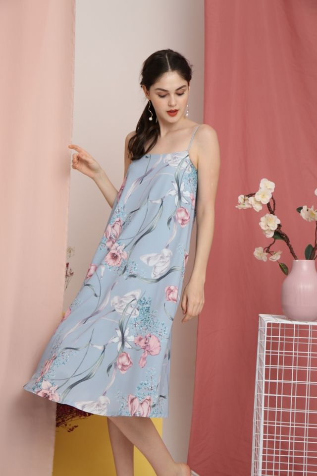 Bertha Floral Sleeveless Midi Dress in Blue