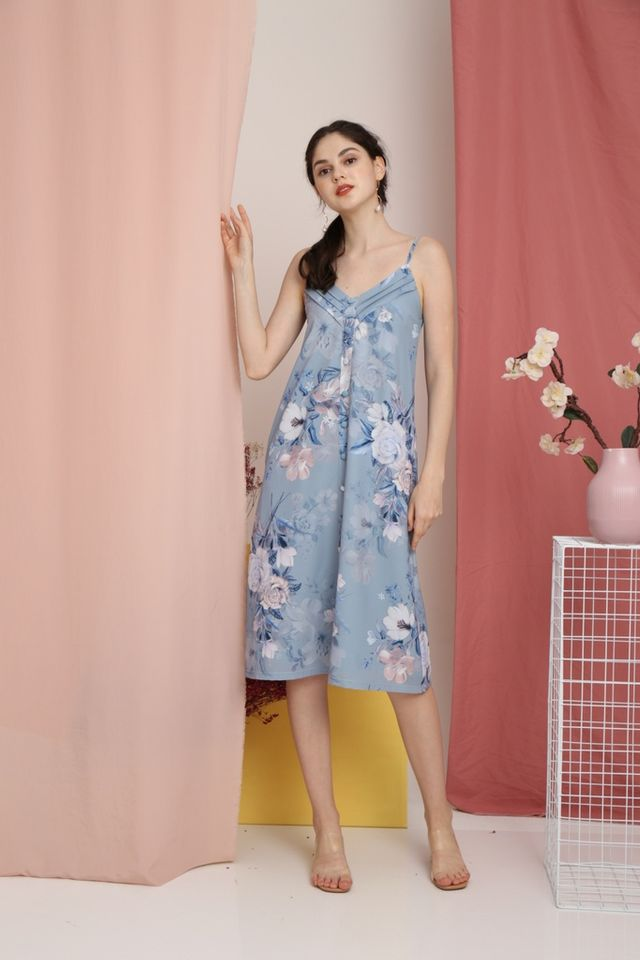Amberly Floral Button Midi Dress in Blue (L)