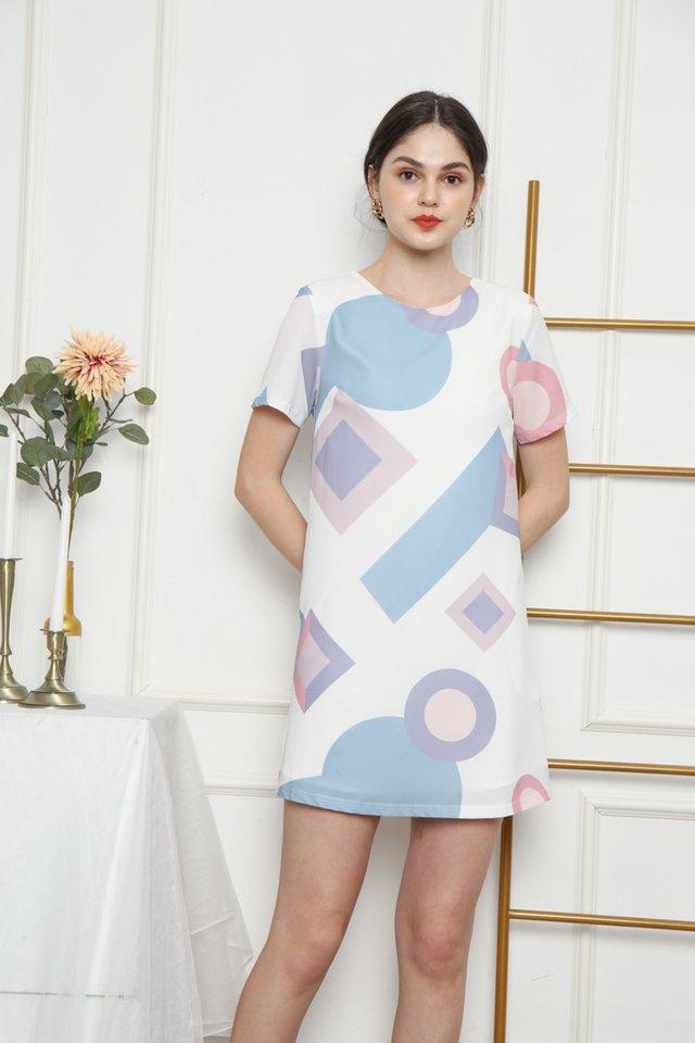 Jacinda Geometric Shift Dress in White (XS)