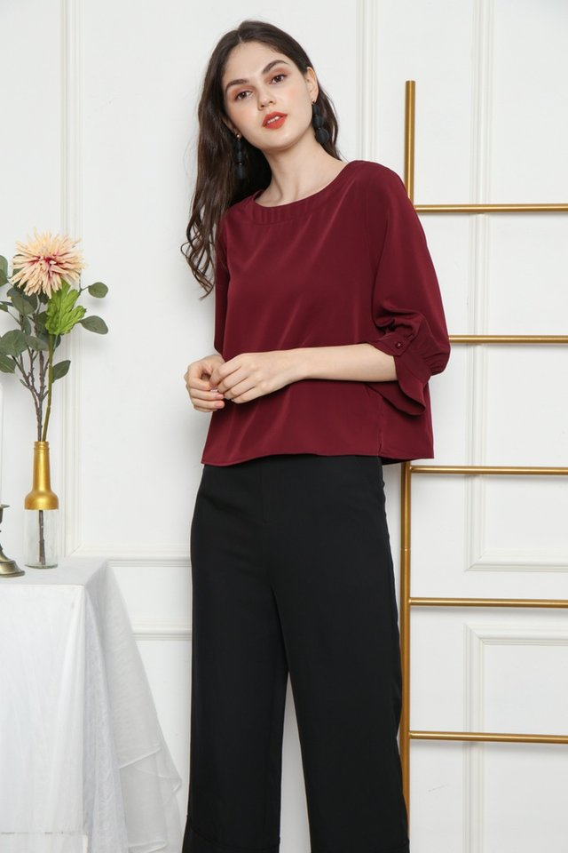 Sanna Button Sleeved Top in Wine