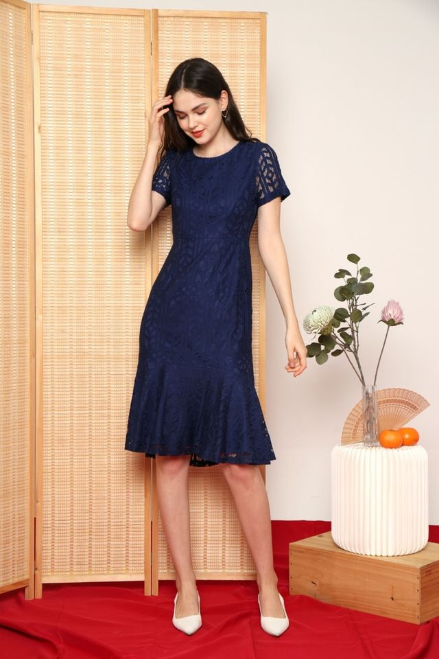 Giselle Premium Lace Mermaid Midi Dress in Navy