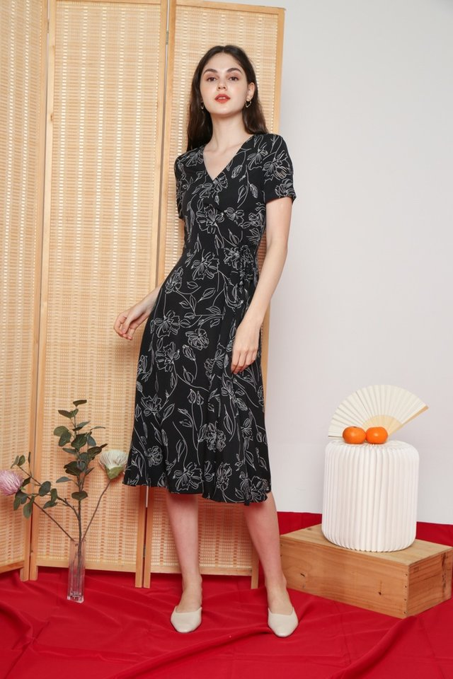 Idella Abstract Floral Midi Dress in Black
