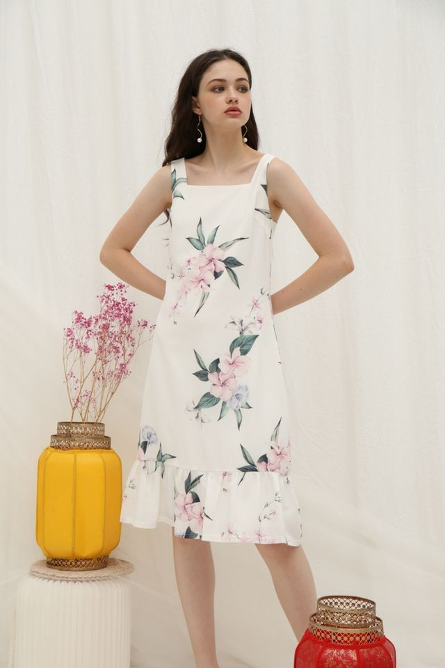 *Online Exclusive* Becka Floral Dropwaist Midi Dress in White