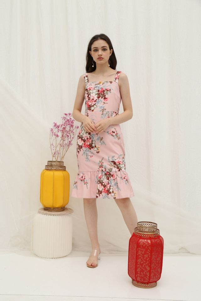 *Online Exclusive* Pamella Ruffled Floral Midi Dress in Pink