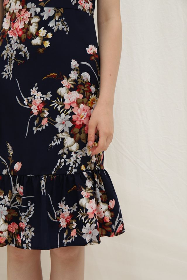 *Online Exclusive* Pamella Ruffled Floral Midi Dress in Navy