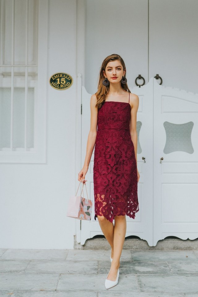 Hariet Premium Crochet Midi Dress in Wine