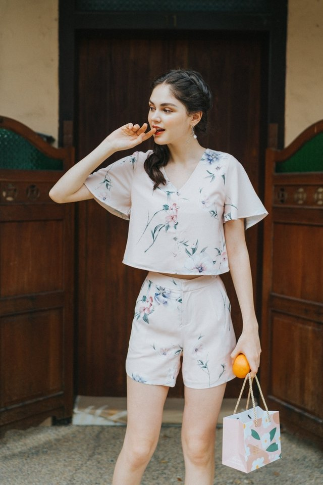 Wilma Floral Pocket Shorts in Peach