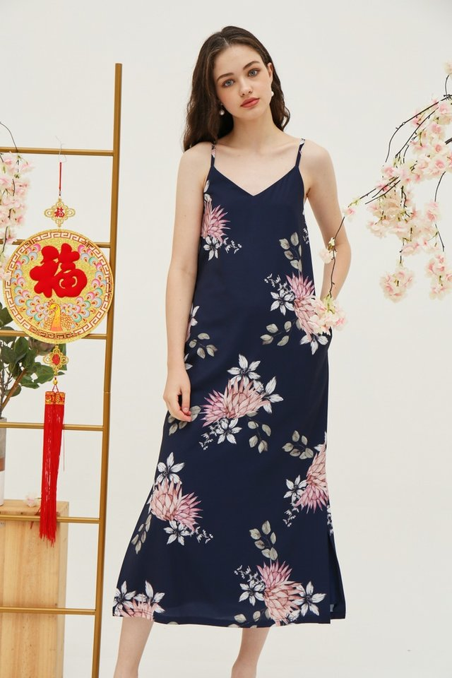 Jeanie Floral Maxi Dress in Navy