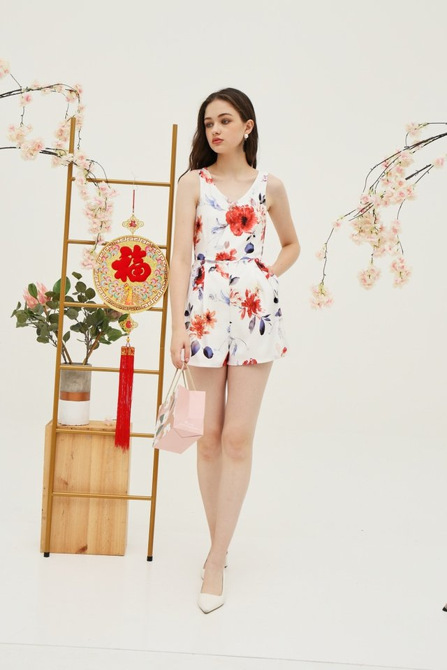 *Online Exclusive* Stacey Floral Pocket Romper in White