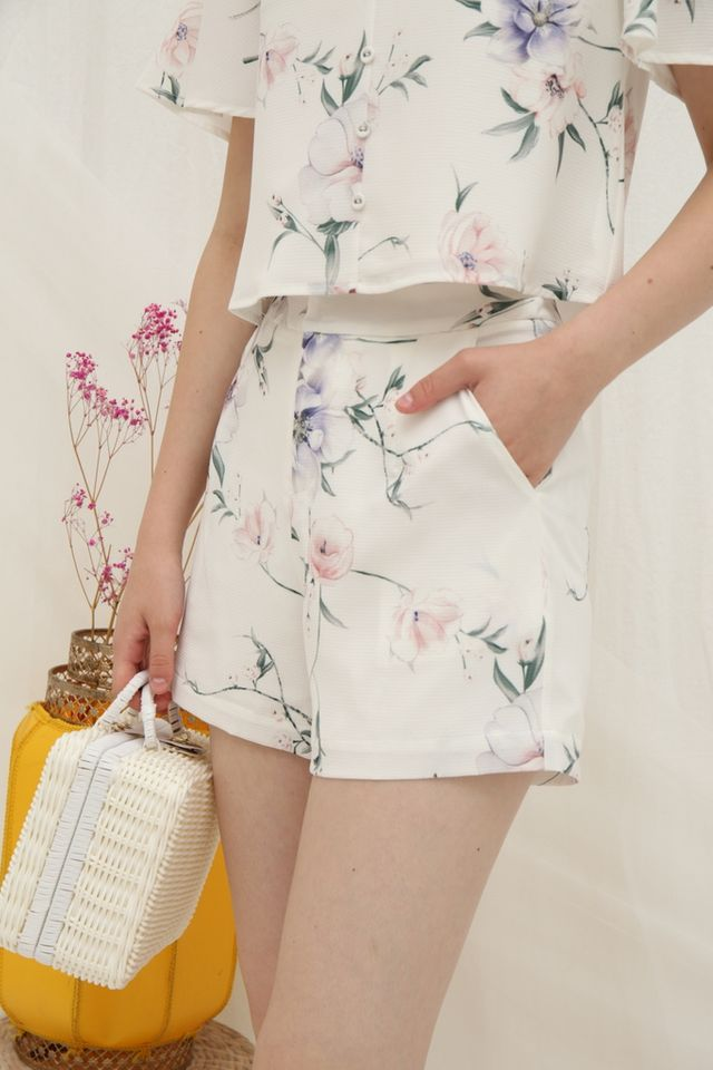 Wilma Floral Pocket Shorts in White