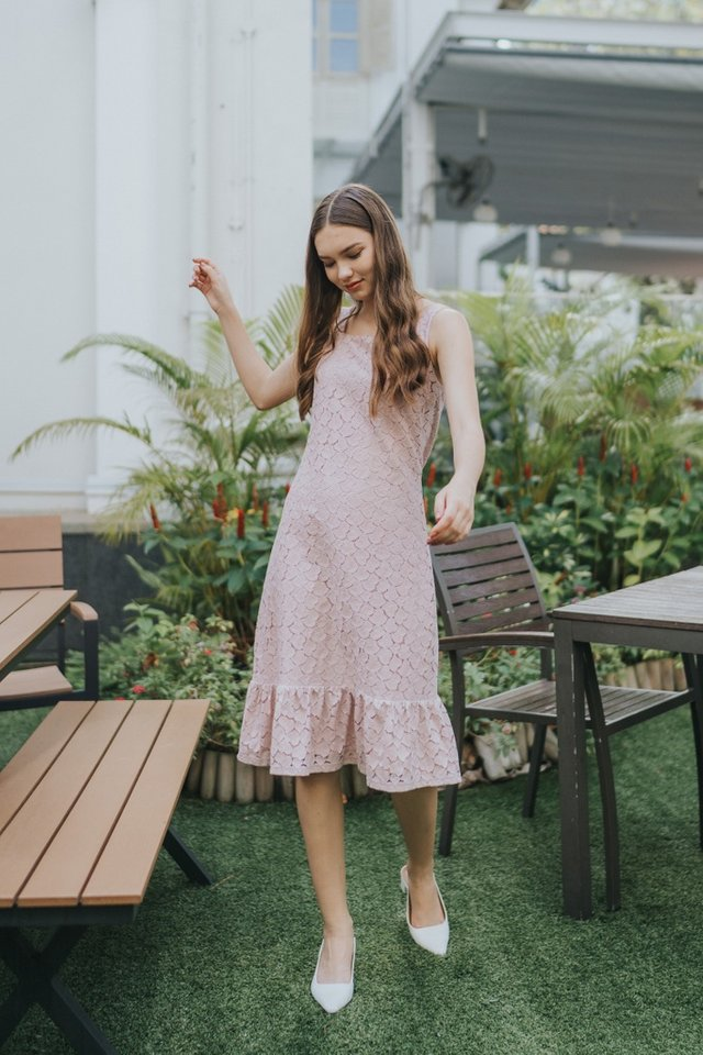 Agnes Hearts Lace Midi Dress in Pink