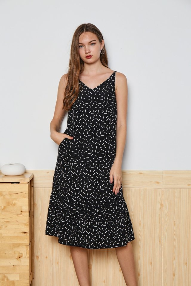 *Online Exclusive* Allaire Printed Ruffles Hem Dress in Black