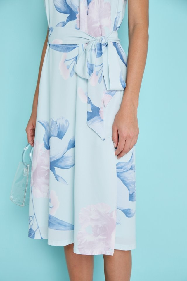 Yasmin Floral Midi Dress in Mint