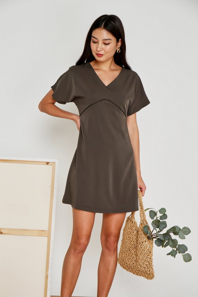 Renae Eyelet Trim Sleeved Dress in Olive (XS)